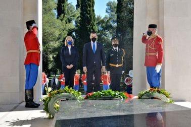 Положен вијенац на Споменик Партизану борцу, поводом 9. маја - Дана побједе