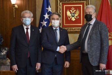 PM Krivokapić hosts BiH Presidency Members Željko Komšić and Šefik Džaferović