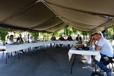 Ministarka Injac i načelnik GŠ VCG general Đurović, na radnom doručku sa novinarima