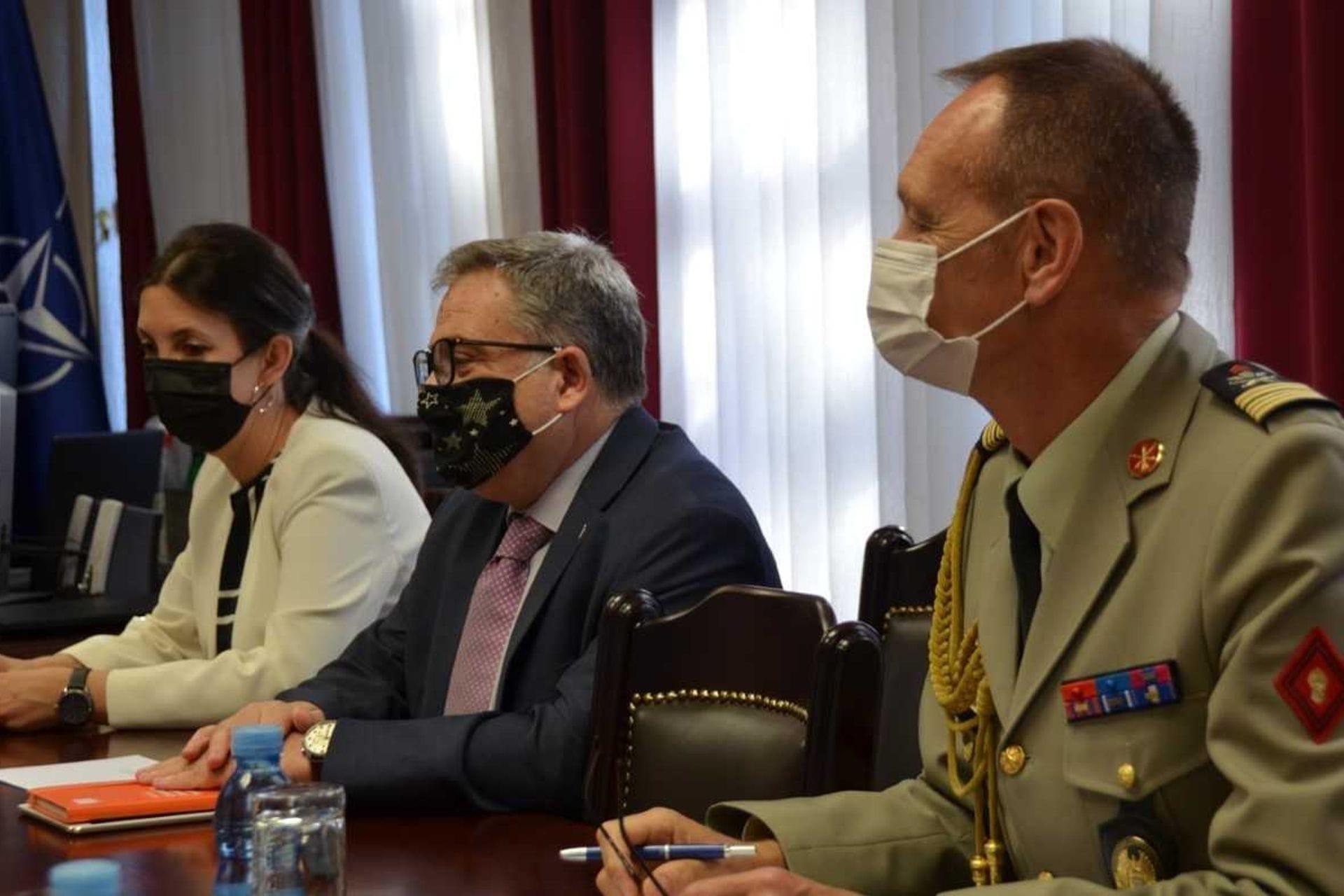 Načelnik Generalštaba sastao se sa ambasadorom i izaslanikom odbrane Republike Francuske