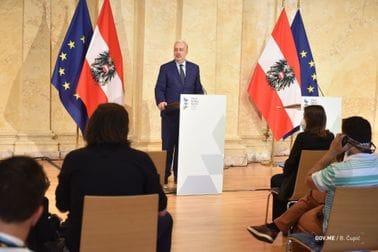 Премијер Кривокапић на Самиту лидера Западног Балкана у Бечу: Наш поглед уперен ка ЕУ