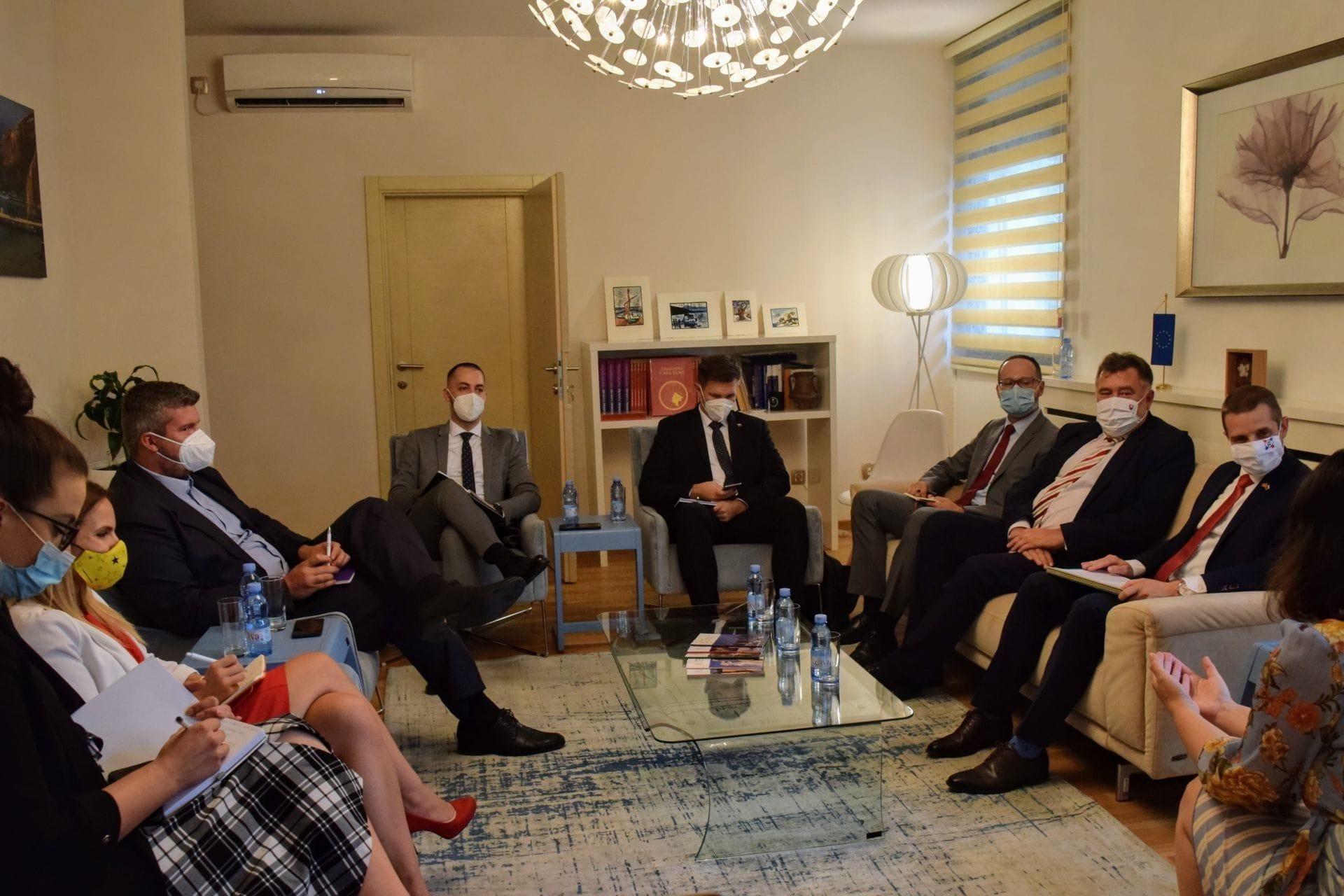 Glavna pregovaračica Zorkom Kordić - državni sekretar u Ministarstvu vanjskih poslova Republike Slovačke, Martin Klus