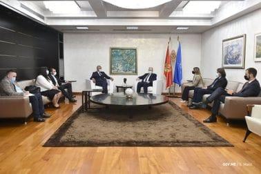 Premijer Krivokapić razgovarao sa gradonačelnikom Cetinja Kašćelanom