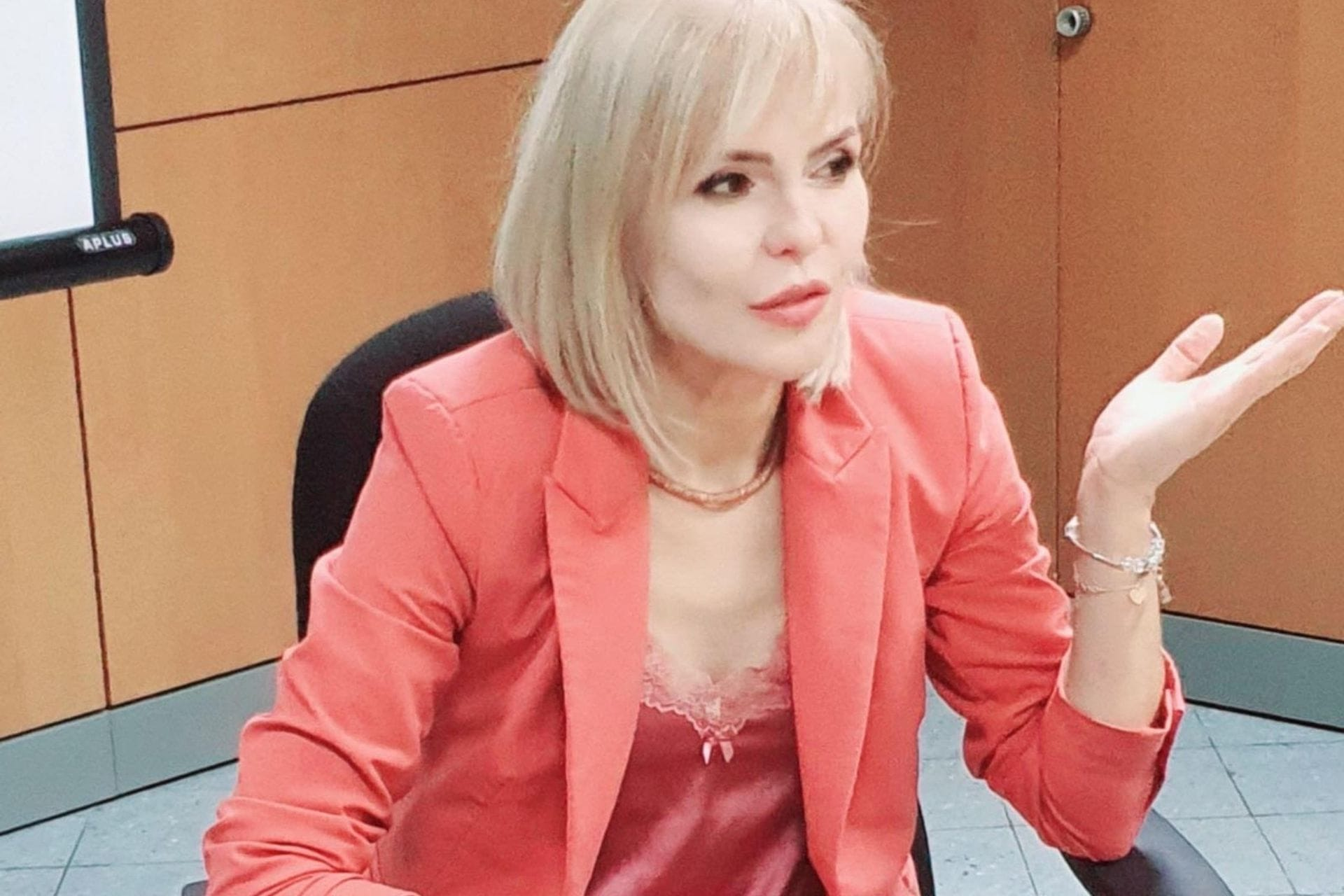 Mr. Slavica Drašković