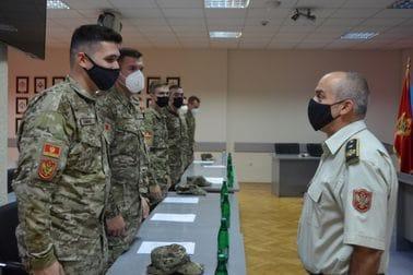 NGŠ Đurović se sastao s novim oficirima VCG